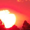 Solzão em close - pôr do sol visto lá de casa.