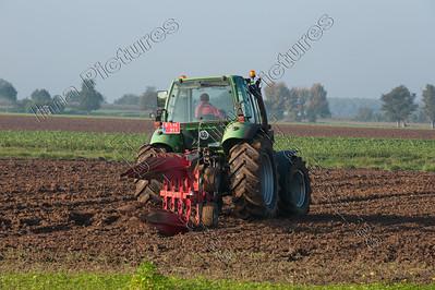 to plough,ploegen,labourer