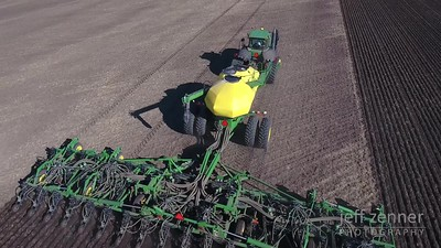 Planting / Seeding Wheat - John Deere - Video Footage
