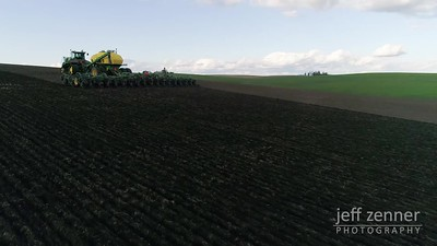 Planting / Seeding - John Deere - Video Footage