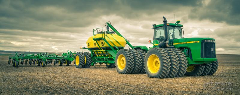 Planting Wheat in Idaho using a John Deere 9400 Tractor & Air Drill.