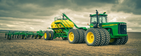 Planting Wheat in Idaho using a John Deere 9400 Tractor & Air Drill.