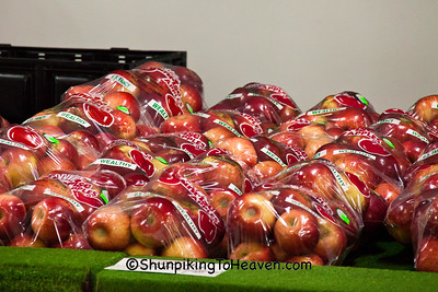 Bags of Wealthy Apples, Sunrise Orchards, Crawford County, Wisconsin