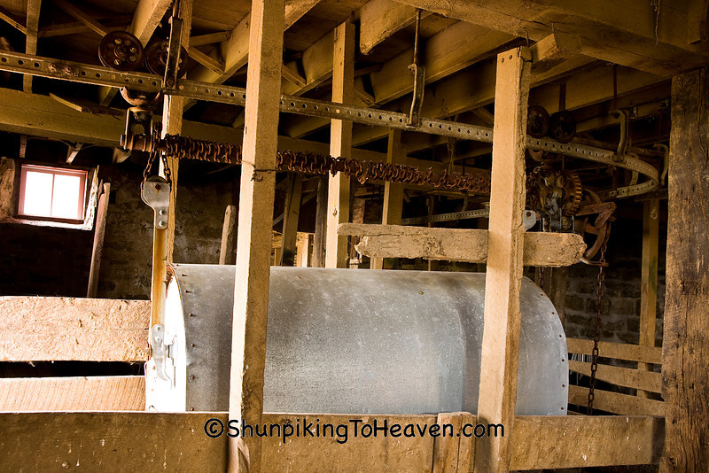 Manure Carrier, Anderson Barn, Allamakee County, Iowa