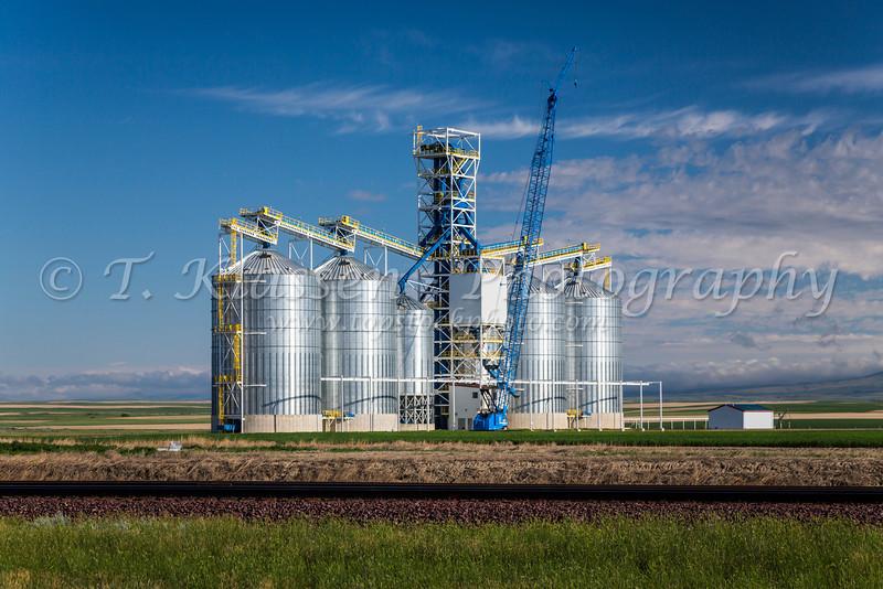 A new inland grain terminal under construction near Chester, Montana, USA.
