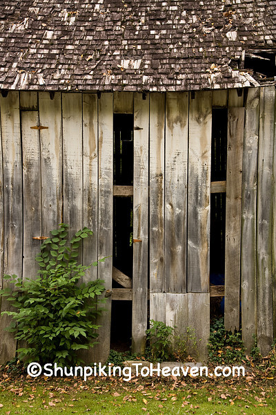 Abandoned Tobacco Barn With Open Vents, Vernon County, Wisconsin