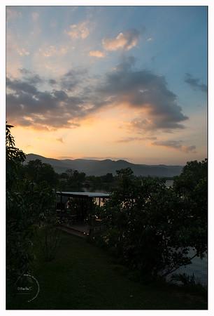 Champa Lodge au coucher du soleil