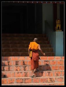 Notre premier moine à LO LEI
