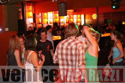 06 05 09 Jacob's List Presents VENICE BEATZ at the Air Conditioned Lounge   DJ Aiden, Domas, DJ Jamesen Re and Karin   www airconditionedbar com (14)