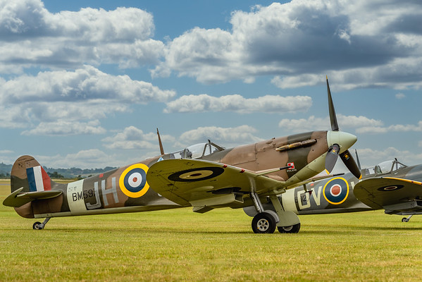 Supermarine Spitfire Vb BM597 on the Duxford Flight-Line