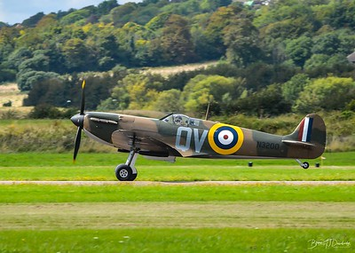 Supermarine Spitfire Mk1 N3200 takes off