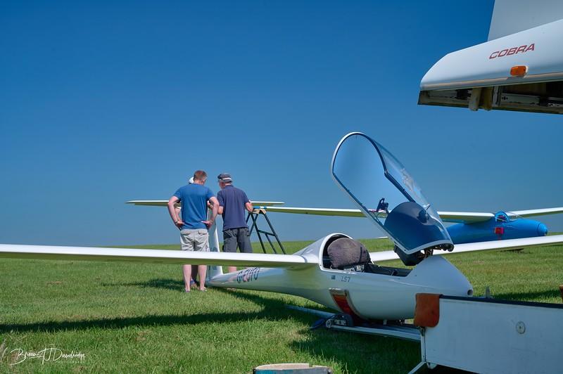 Southdown Gliding Club=Z61_1791 - 9-09 am