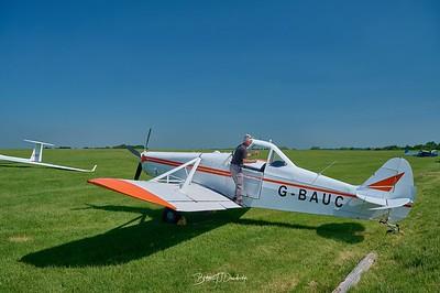 Southdown Gliding Club=Z61_1779 - 8-44 am 1