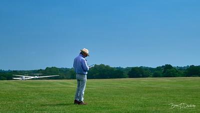 Southdown Gliding Club=Z61_1802 - 9-47 am
