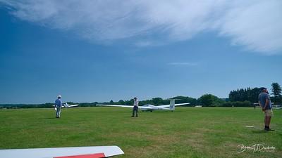 Southdown Gliding Club=Z61_1799 - 9-46 am