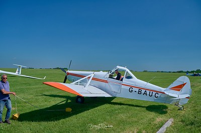 Southdown Gliding Club=Z61_1781 - 8-45 am 1