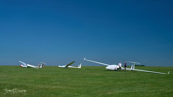 Southdown Gliding Club=Z61_1777 - 8-44 am