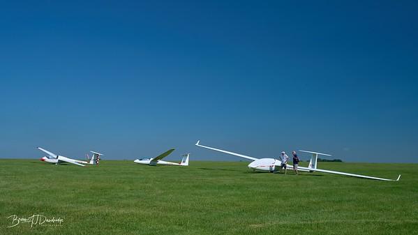 Southdown Gliding Club=Z61_1778 - 8-44 am