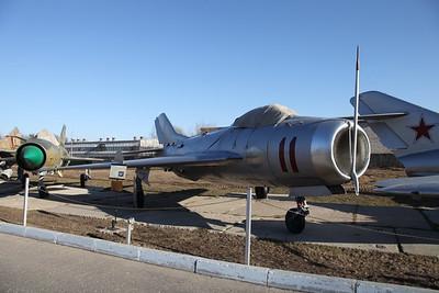 MiG-19SV