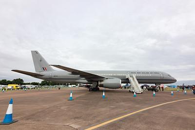 Boeing 757-22QC