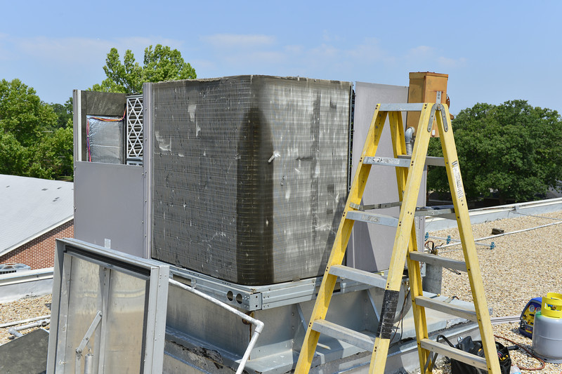 Bryant 10 ton with leaking condenser coil