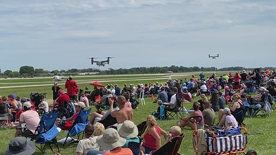 To Ospreys coming in for a landing at Oshkosh 2021