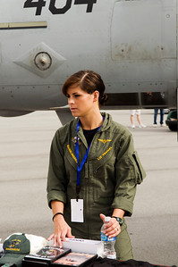 Lt. Liz Tremel was the pilot of the F/A-18E Super Hornet from VFA-105 Gunslingers.