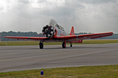 Bryan Reagan, the former lead for the Red Barons, is flying the AeroShell #1 plan while Alan Henley recovers from his sever injuries. The North Georgia Transportation Expo was the first show with Bryan in the lead spot. Here he is as he taxis the plane out for the first demo flight of the day.