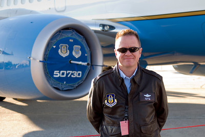 USAF Lt. Col. Rob Witzel is the pilot of the Boeing C-40C plane.