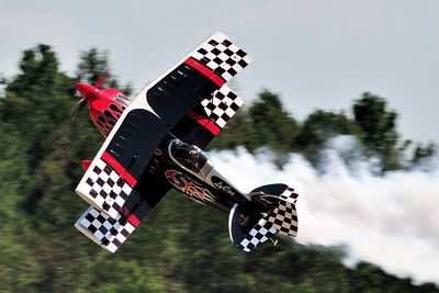 Skip Stewart flys one of his signature maneuvers.
