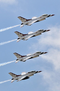 The USAF Thunderbirds from the Friday practice show.