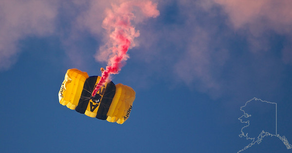 The United States Army Golden Knights Parachute Team. Shoot failure. Cut-a-way. Back to free fall. New shoot at full open. Nothing to it!!