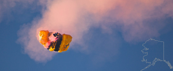 The United States Army Golden Knights Parachute Team. Shoot failure. Cut-a-way. Back to free fall. New shoot starting to open.