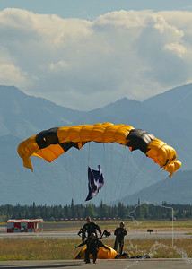 The United States Army Golden Knights Parachute Team. Perfect landing.