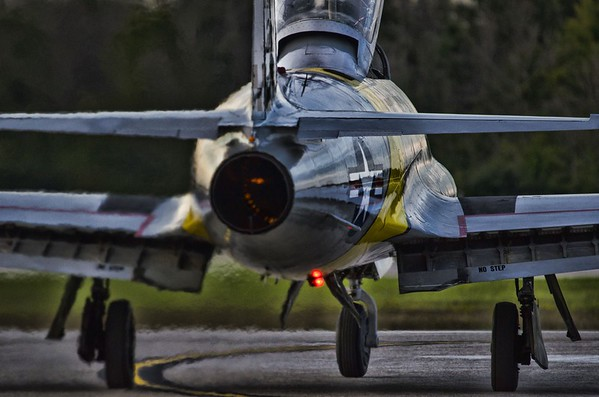 Gregory Colyer's T-33 lighting up the ramp