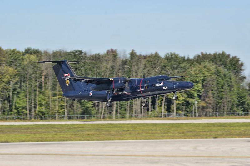 "CT-142 Dash-8 ""Gonzo"" navigator trainer"