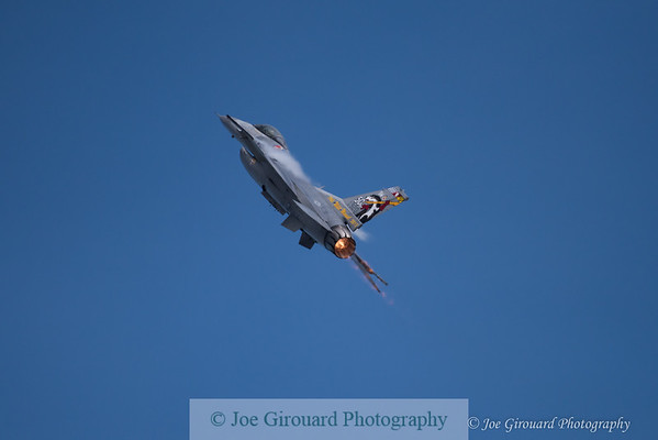 F16 Viper Demo Team - RI National Guard Open House