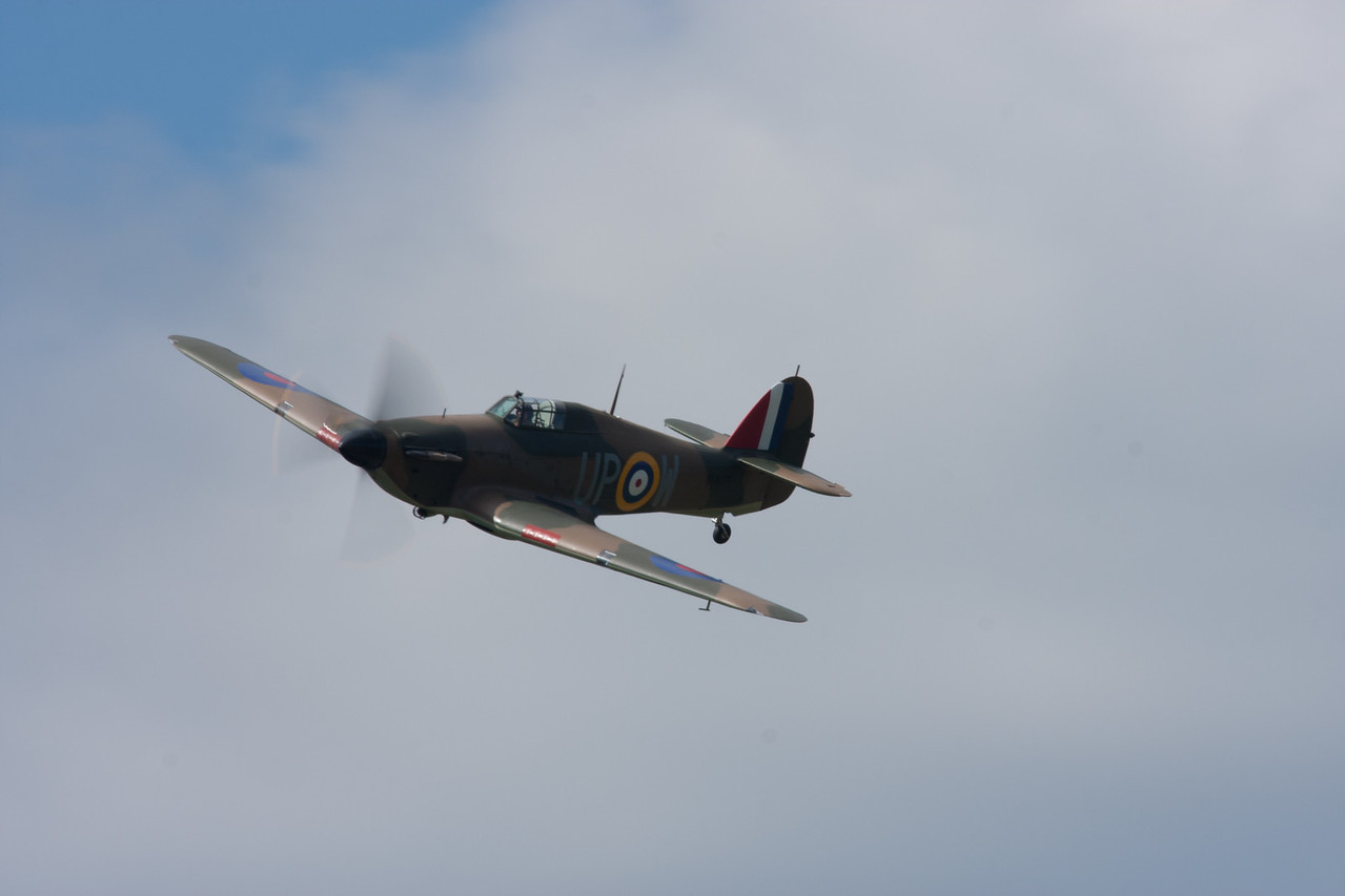 Spitfire taken at Throckmorton 1/125 sec at F16 with a 300mm F4L lens and a 1.4 extender total focal length 420mm with a small crop on the photo.