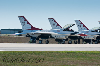 Thunderbirds 2010 at Martinsburg