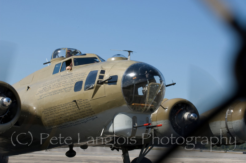 """B-17G Flying Fortress """"Nine O Nine"""" arriving at Manchester-Boston Regional Airport"""