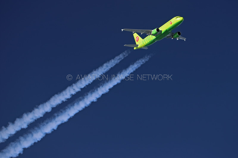 VP-BCZ   Airbus A320-214   S7 Airlines