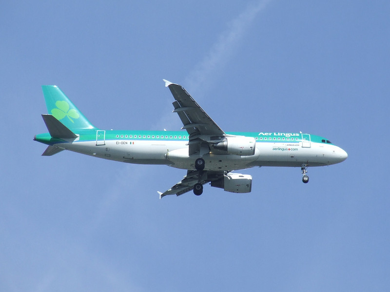 EI-DEN An Aer Lingus A320-214 on approach to Glasgow Airport