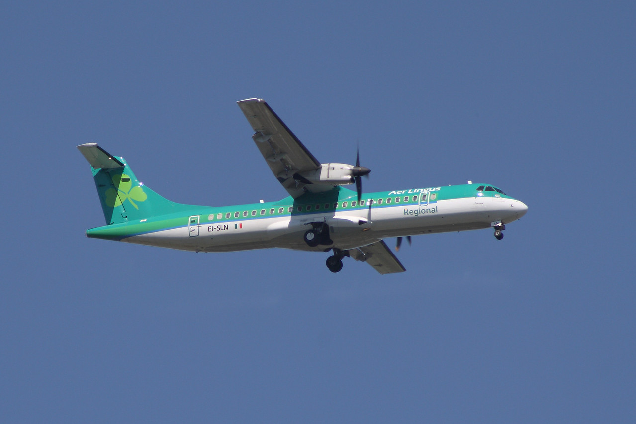 An Aer Lingus Regional (Aer Arann) ATR ATR-72-212 (EI-SLN) on approach to Glasgow Airport. It was withdrawn in October 2013 when it went off lease and was returned to Air Contractors.