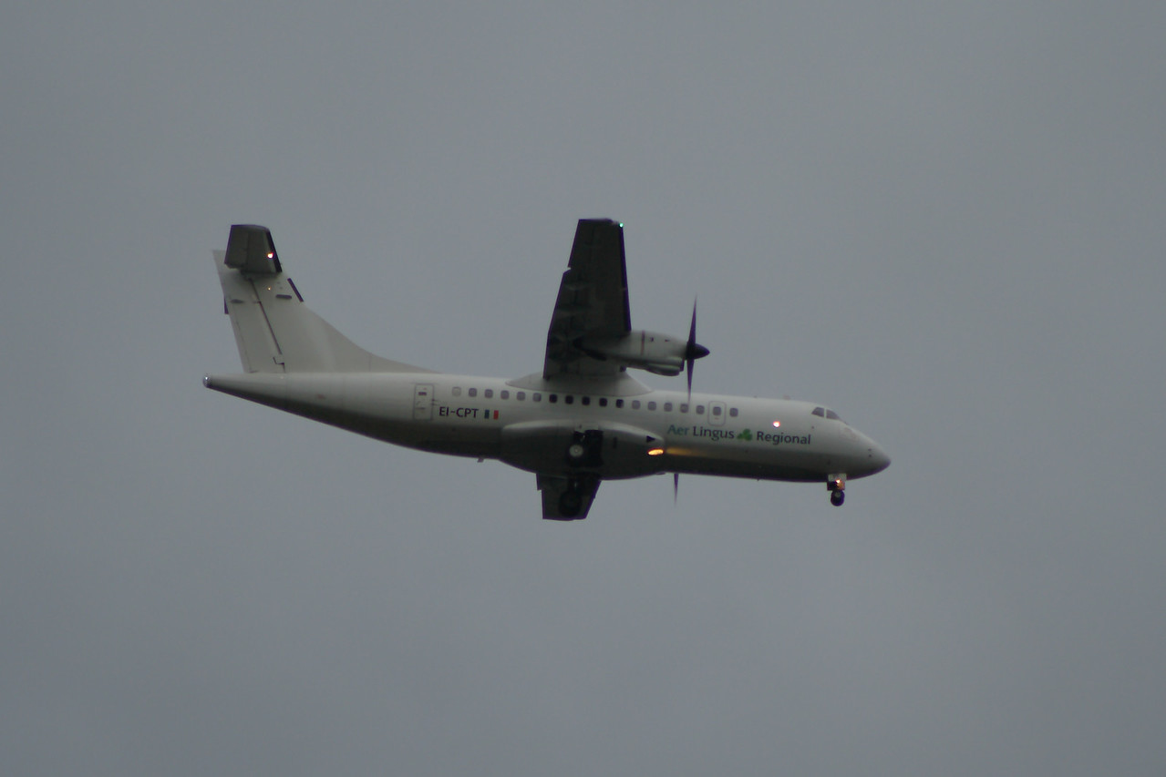 EI-CPT An Aer Lingus Regional (Aer Arann) ATR ATR-42-300 on approach to Glasgow Airport. The aircraft was withdrawn in April 2014 and scrapped in November 2014
