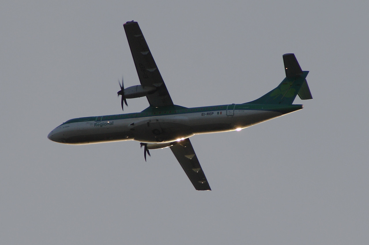 EI-REP An Aer Lingus Regional (Aer Arann) ATR ATR-72-500 after take off from Glasgow Airport catching the late evening sunshine. It was withdrawn in March 2013 after the lease expired and is now in use with Yangon Airways of Burma (Myanmar)
