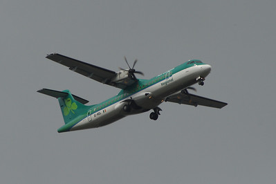 An Aer Lingus Regional (Aer Arann) ATR ATR-72-500 (EI-REL) on approach to Glasgow Airport