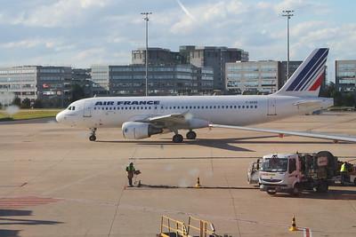 An Air France Airbus A320-214 (F-GKXO) taxiing at Paris Charles de Gaulle Airport