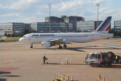 An Air France Airbus A320-214 (F-GKXO) taxiing at Paris Charles de Gaulle Airport