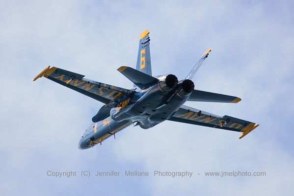 Opposing Solo US Navy Blue Angels