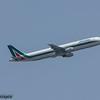 EI-IXH<br /> Alitalia<br /> Airbus A321-112<br /> Malaga Airport<br /> 01/07/2015